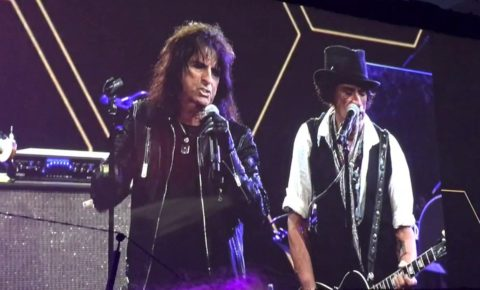 "Hollywood Vampires Play ""Sweet Emotion"" at the NAMM Tec awards 2017"