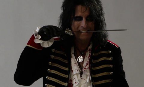 "Alice Cooper – Behind the Scenes of a ""Paranormal"" Photo Shoot + Official Video"