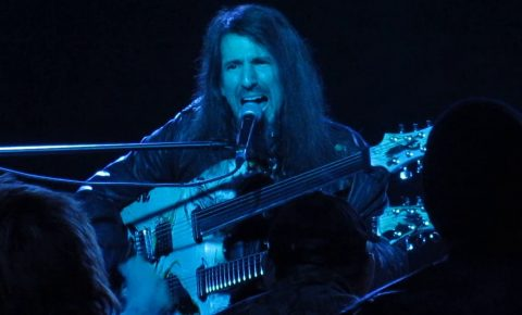 Bumblefoot Performs Acoustic Versions of Iron Maiden & Guns N' Roses Classics In San Antonio